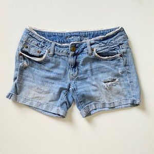 AMERICAN EAGLE Distressed & Lace Shorts